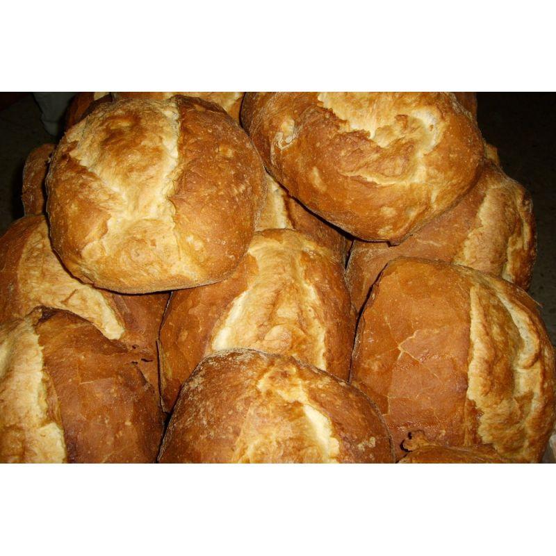 Pan artesano de horno de leña.