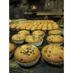 Magdalenas de chocolate elaboradas en horno tradicional