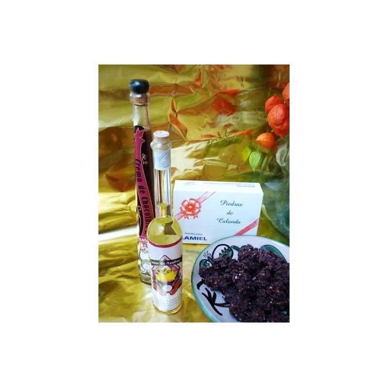 Licor de Azafrán, crema de licor de chocolate y azafrán de teruel y piedras de Calanda